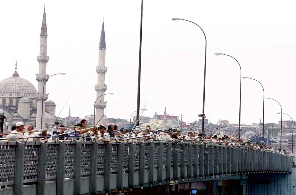 Istanbul: Fishing on Galata Bridge. Photo: Cem Turkel, EBRD