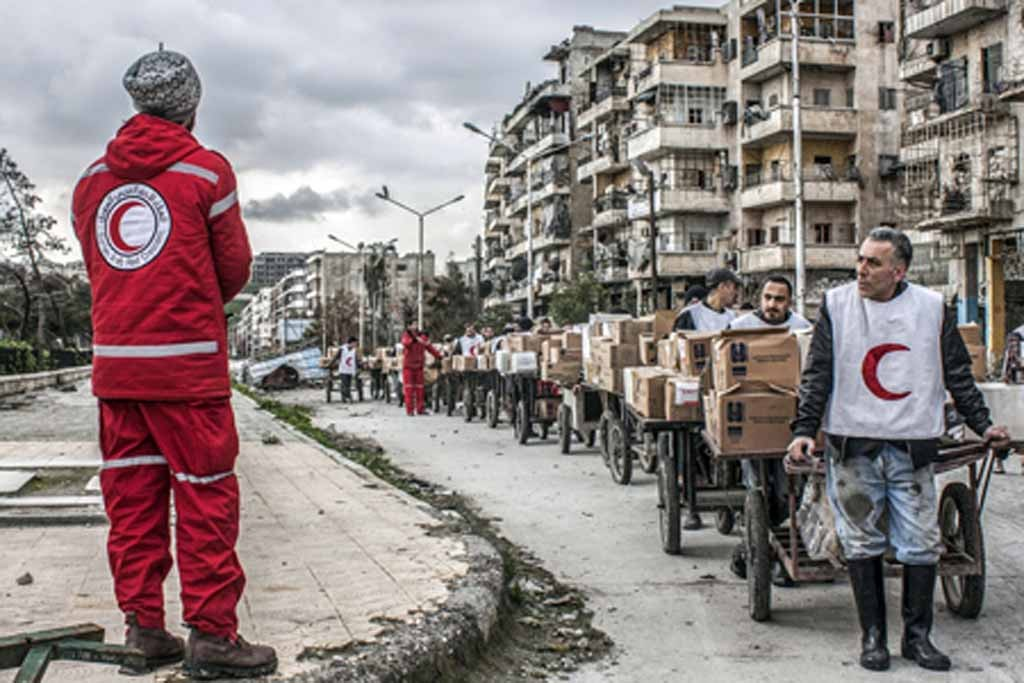 WHO and Syrian Red Crescent bring emergency medical supplies to Aleppo. Photo: WHO