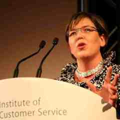 UK banks still in the doghouse as customer confidence falls